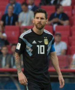 Lionel_Messi wearing number 10