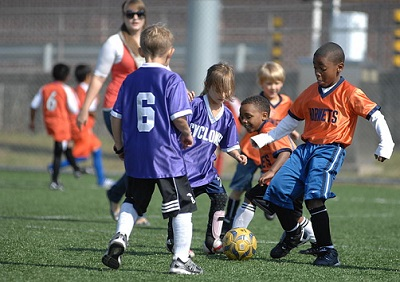 How To Teach Your Child To Play Soccer - Children playing soccer
